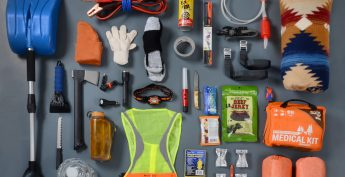 Diy easy to make emergency road kit service force calgary probably one of the best things you can do for yourself is keep an emergency kit in your vehicle especially in winter our weather isnt always kind to us solutioingenieria Choice Image